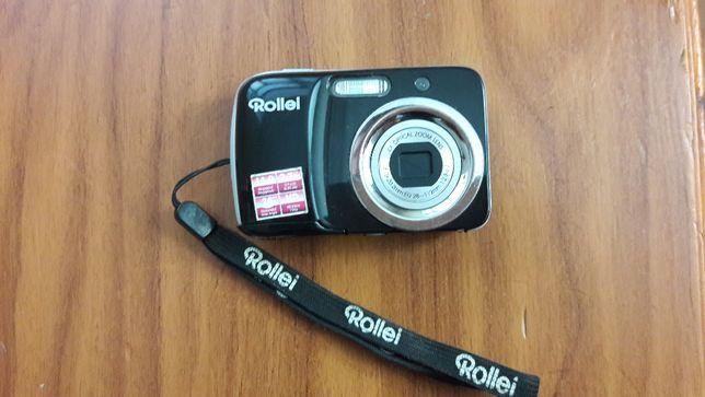 фотоаппарат с чехлом.