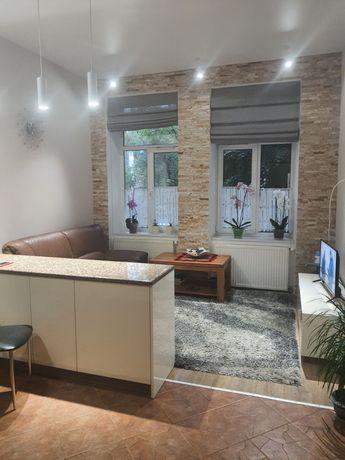 Продається 2-х кімнатна квартира на вул. Чернігівська бл. ЦЕНТР
