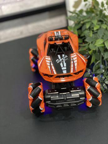 Машинка игрушечная на пульте управления