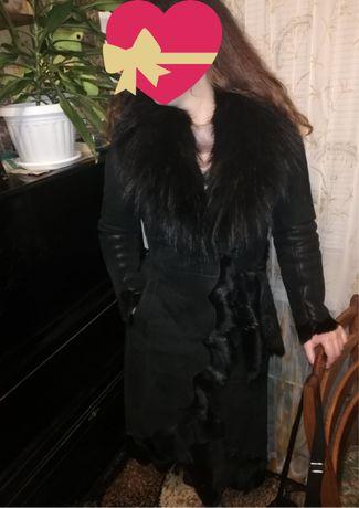 Дубленка женская натуральная с мехом енота