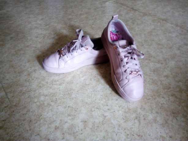 Стильные женские кроссовки кеды Ted Baker. Стелька 23 см.