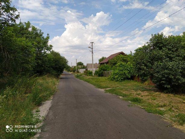 Участок в обжитом районе села Разумовка в зоне жилой застройки. К.М.
