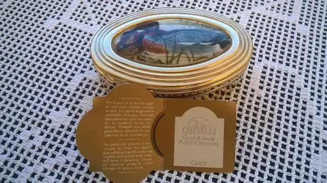 Caixa Chinelli com banho de prata dourada. Envio por correio