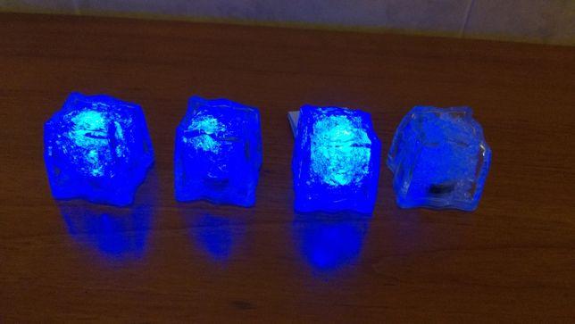 Cubos de gelo com luz LED azul para dar côr à sua bebida!