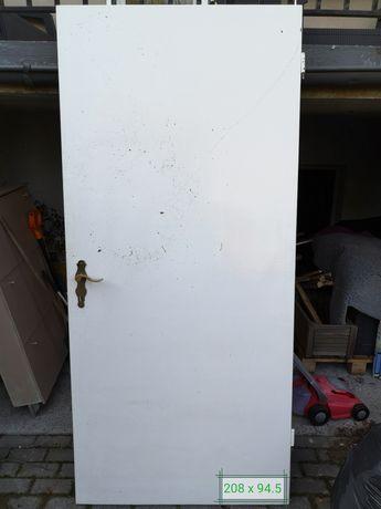 Drzwi wewnętrzne białe 7 szt za 40 zł