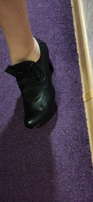 Новые красивые кожаные туфли. Размер 40 Киев - изображение 1