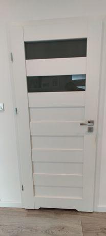 Drzwi łazienkowe białe lewe 80