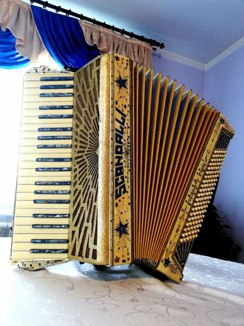 Sprzedam akordeon Scandalli - 4 chóry