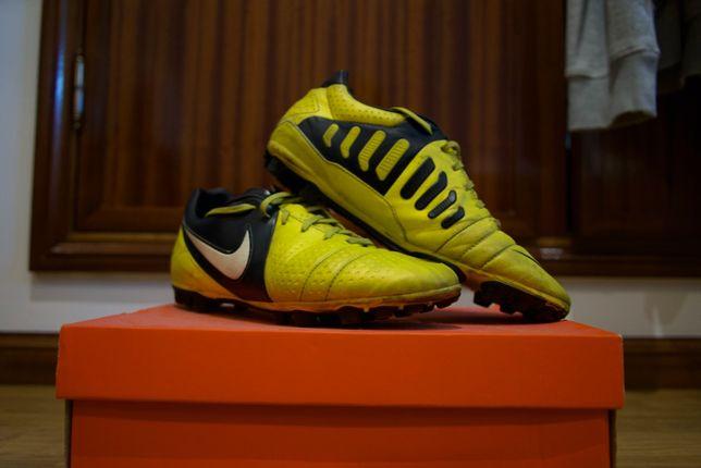 Chuteiras Nike CTR360 N43