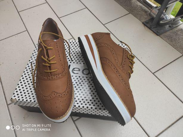 Sapatos plataforma, n.40 a estrear