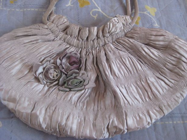 Атласная сумка на весну-лето