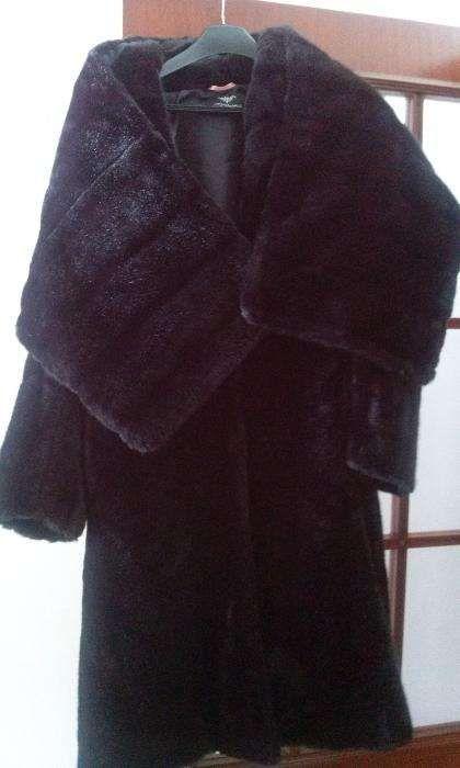 Casaco de senhora, comprido de pêlo marca Miguel Vieira Ermesinde - imagem 1