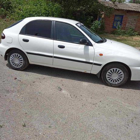 Автомобиль Daewoo Lanos