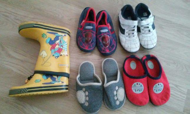 30-31 Zestaw kapcie spidermann adidasy gratis , gumowce buty chłopięce