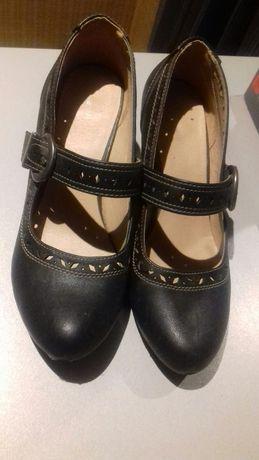 Buty  czółenka  damskie 40