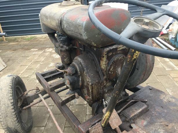 STARY zabytkowy traktor, ciągnik - esik , S-320 , Andrychów, SAM