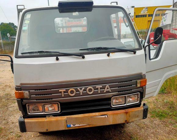 Toyota Dyna  250