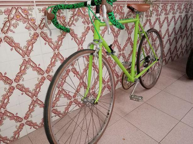 Bicicleta de corridas antiga