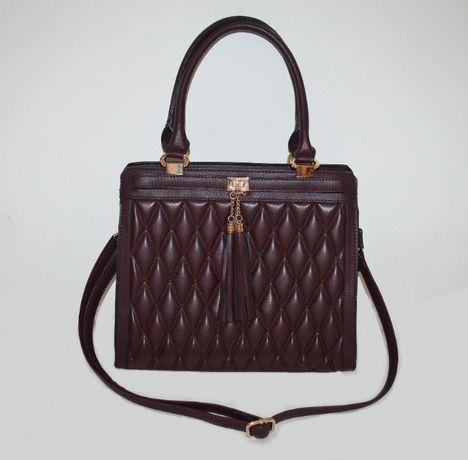 Очаровательная стеганая сумка цвета марсала