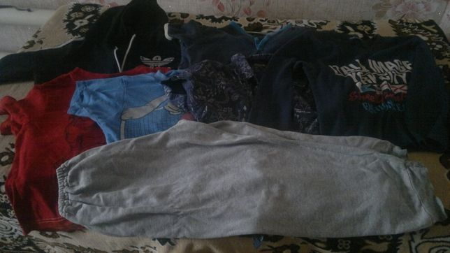 Большой пакет одежды на сынишку 5-6 лет с подарком
