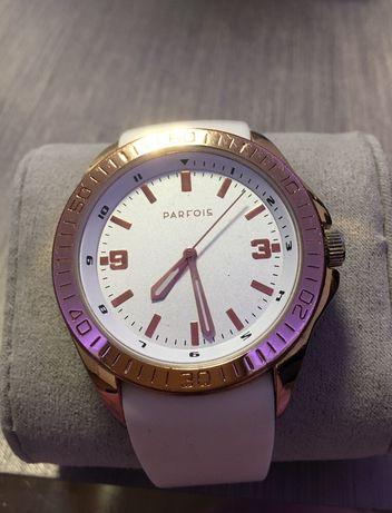 Zegarek biały Parfois złota obramówka