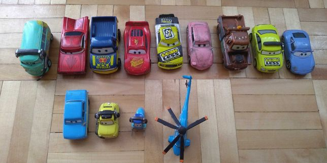 Zygzak McQueen, samochody metalowe 13 sztuk z filmu auta zestaw