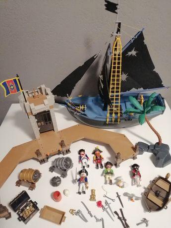 Playmobil 5775, statek piracki.