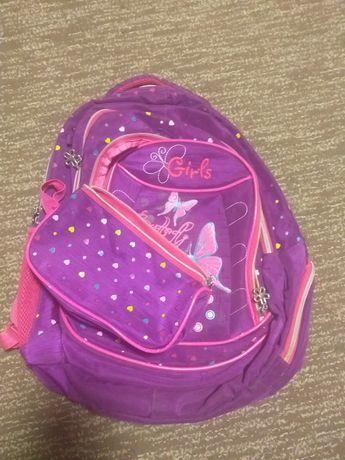 Продам рюкзак для девочки с пеналом