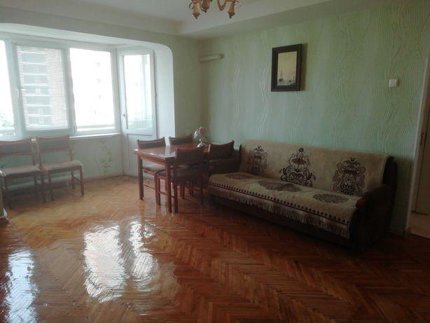 Продам 3-хкомн. квартиру на бул. Л.Украинки, 14
