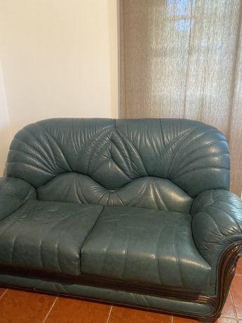 Sofá de pele