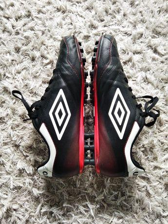Korki umbro 44 45 meskie buty sportowe czarne do pilki