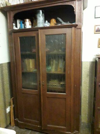 Книжный шкаф антикварный