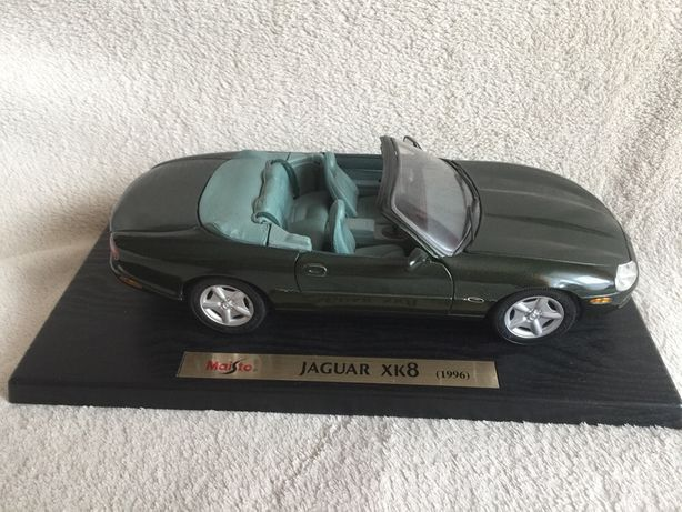 Jaguar XK8 model Maisto