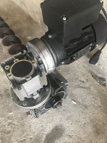 Motoreduktor NORD -silnik do pieca wraz ze slimakiem