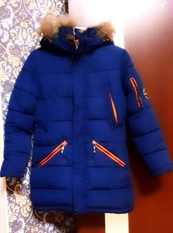 Зимова дитяча куртка в ідеальному стані