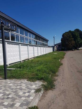 Логистический  склад рядом с оживлённой международной трассой
