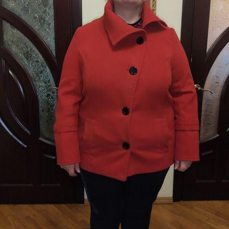 Кашемірове пальто коротке