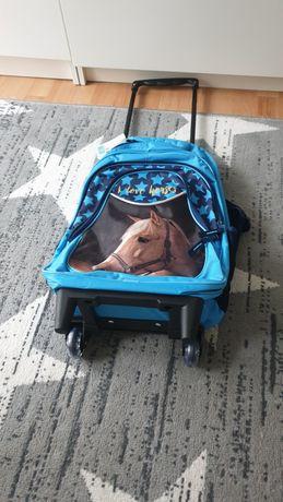 Nowy plecak na kółkach