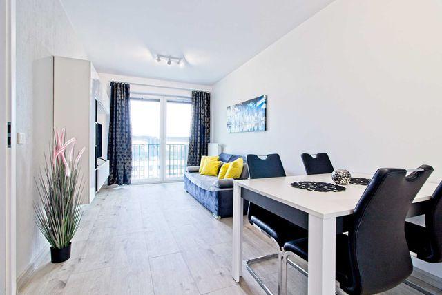 2 pokoje z osobną kuchnią + garaż + komórka lokatorska