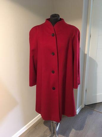 Piękny czerwony płaszcz wełna porządny rozm. L jak nowy