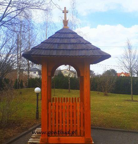 Kapliczka drewniana Kaplica pod Gont Drewniany Frasobliwy Figurka