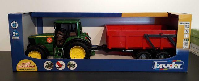 BRUDER Nowość 2019 Traktor John Deere z przyczepą zestaw