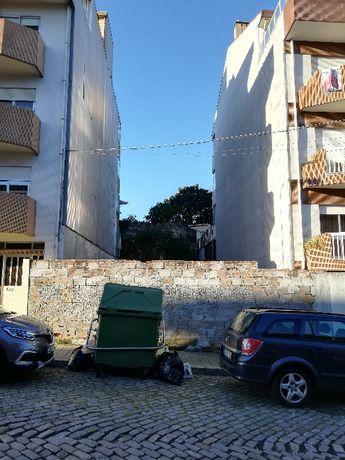 Terreno urbano Porto - Campanhã, Rua das Escolas - 202m2