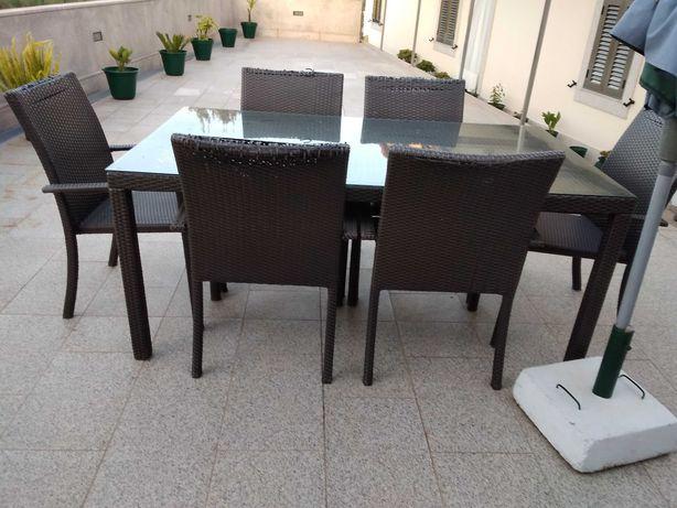 Mesa de jardim c/6 cadeiras + 4 cadeiras
