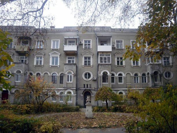 1155(30552код21)3-ком.в отличной сталинке 2этаж на Французском бульвар