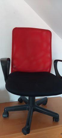 Krzesło obrotowe z regulowana wysokością