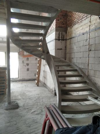 Сходи з бетону (лестницы ис бетона)