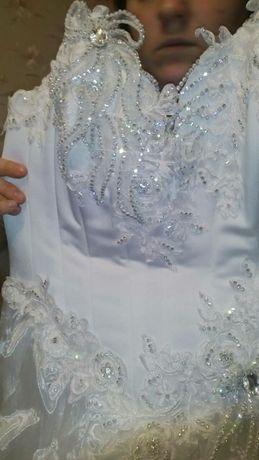 Свадебное платье р48-50 рост