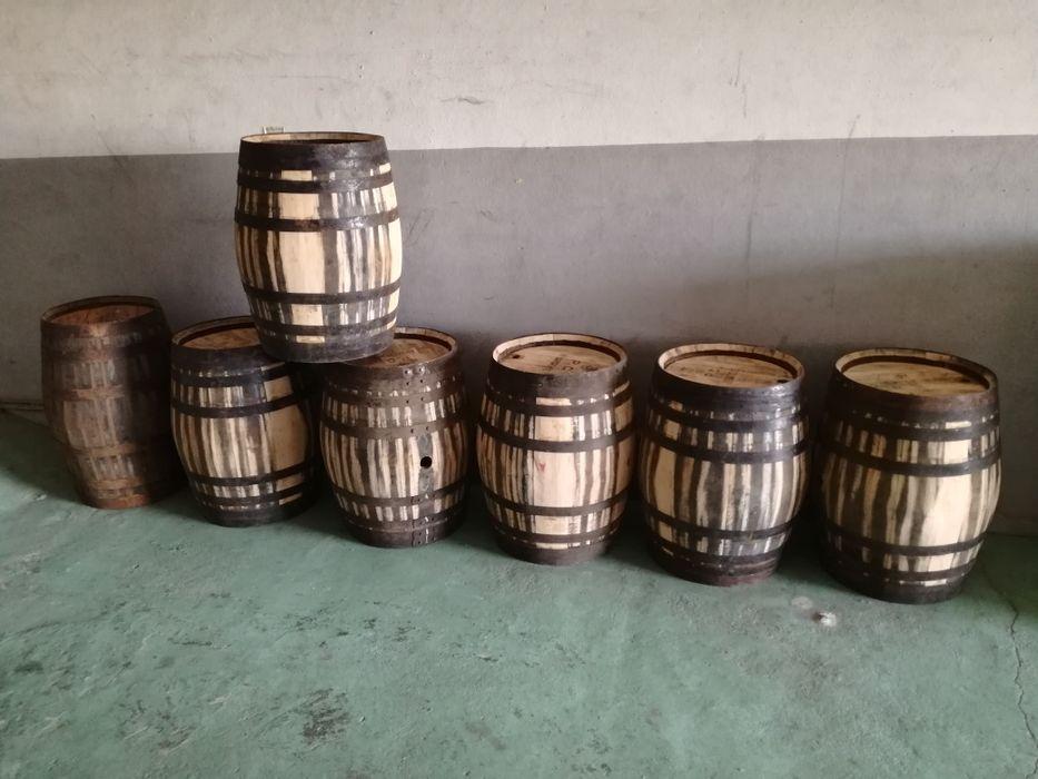 Pipos/Pipas em madeira de carvalho e castanho Bougado (São Martinho E Santiago) - imagem 1