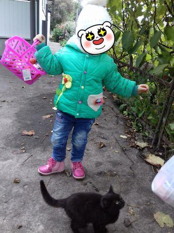 Продам курточку весна -осень на девочку на 2-3 годы